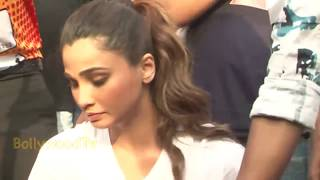 jacqueline fernandez Oop.s embarrassing moment with daisy shah
