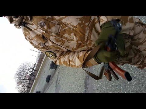 Боец АТО на блокпосту угрожает расстрелять оператора и разбить камеру!