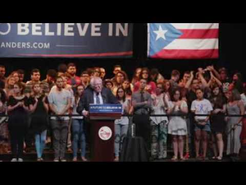 Enthusiastic Crowd Greets Sanders in Puerto Rico