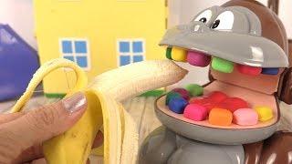 Le Singe Play Doh Dentiste Mange sa Banane