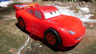 Mcqueen car wash - Kid pretend play washing cars - Cars toy for kids MonTv ToysReview