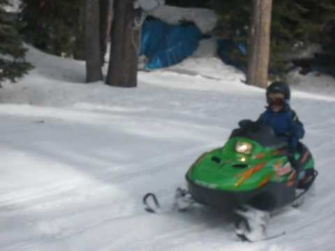 Kids Snowmobile Ride Arctic Cat z120