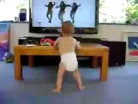 リズム感バツグン!!ビヨンセと一緒に踊る赤ちゃん