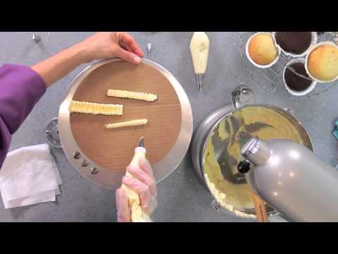 How to Pipe Ruffles