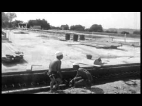 Robert Poujade a visité le chantier de la rocade Est à Dijon (1976)