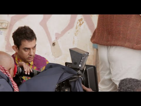 PK Movie - Aamir Khan And Fat Barber Scene Had 12 Re-takes | New Bollywood Movies News 2014