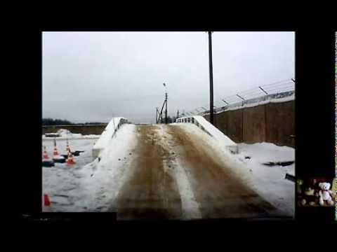 Уроки вождения на площадке - видео
