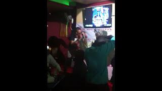 Twerking to kidis song,kamua Leo