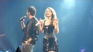 "download lagu Taylor Swift And Andy Grammer Sing ""keep Your Head gratis"