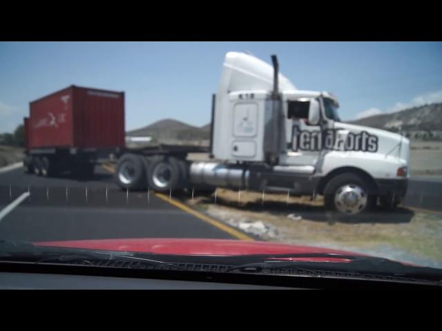 Un trailer en sentido contrario