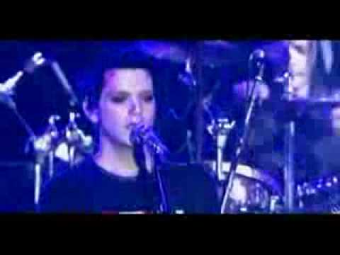 Placebo - Taste In Men (Live, Paris, 02.14.04)
