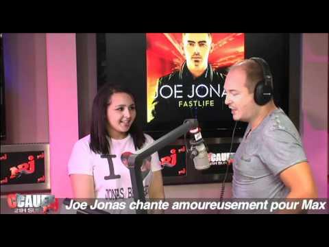 Joe Jonas chante amoureusement pour Max - C'Cauet sur NRJ