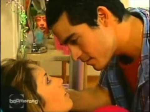 Mia e Miguel - Rebelde - Capítulo 3 - 1°Temp.