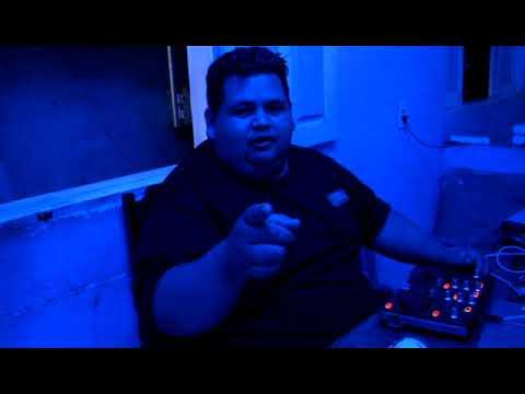CONTROLADORA HERCULES DJ CONTROL MP3 E2 TOCANDO E MONSTRANDO EQUIPAMENTOS A VENDA SÓ LIGAR