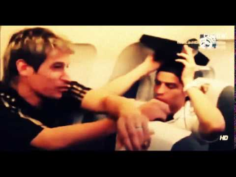 لحظات مضحكة مع  كريستيانو رونالدو  CRISTIANO RONALDO FUNNY Moments