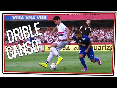 Drible de Ganso em Alisson do Cruzeiro - 14/09/2014