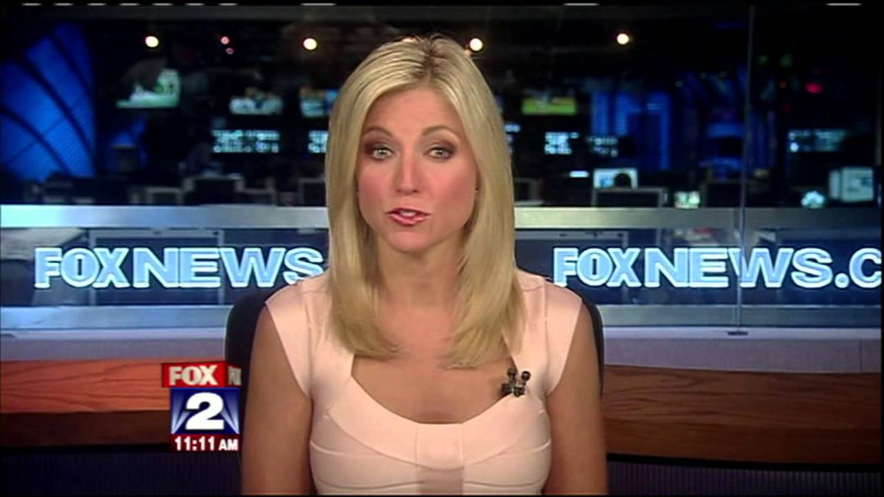 Displaying 16 gt images for fox news ainsley earhardt legs