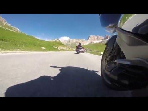 """Dolomites Passo Pordoi BMW K1600 GTL """"hunting"""" Honda Goldwing"""