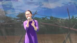 Phương Mỹ Chi khoe giọng ca ngọt ngào tại Ngày hội Học sinh toàn cầu