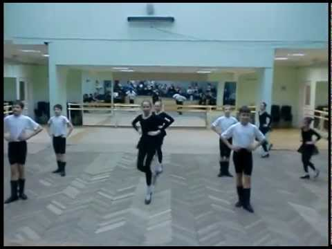 Видео клип ансамбля танца «Россияне» — Открытый урок танцев в школе 1065. / 2010