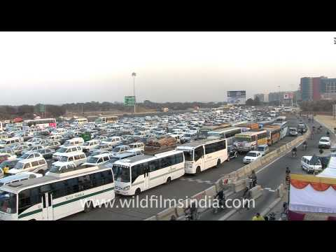 Delhi Gurgaon NH8 and toll plaza