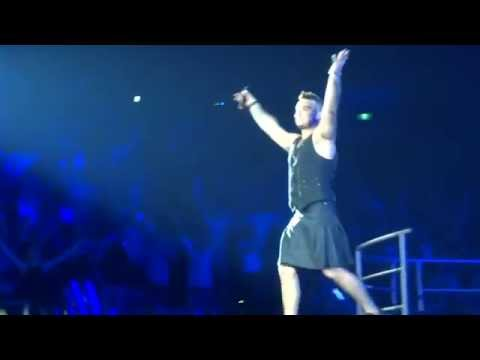Robbie Williams - My Way - 24/10/15 Melbourne HD FRONT ROW