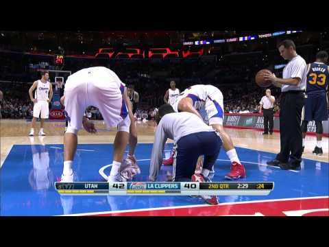 Blake Griffin, Hawes Help Moppers Wipe Wet Spot on Court