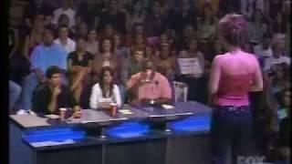 Watch Kelly Clarkson Walk On By video
