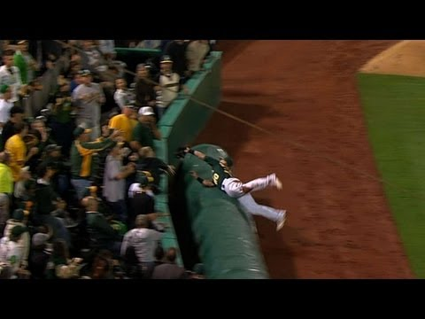 Donaldson doesn't fear the tarp when making catches