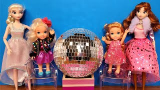 Download lagu 2021 New year's party 2020 ! Elsa and Anna toddlers celebrate - Barbie - dance - sing