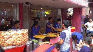 Kulcha / Naan / Roti / Mix Veg /Chana Masala | Lots of Cheap Street Food in One Shop