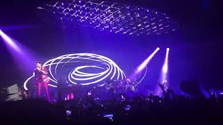 Queen + Adam Lambert - Don't Stop Me Now - Unipol Arena