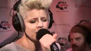 Robyn Dancing On My Own Live At The Rimmel Room