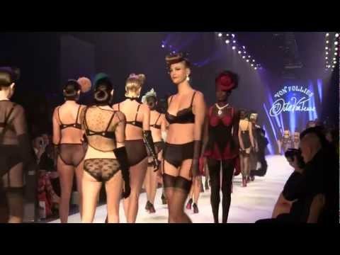 Dita von teese  von Follies L'Oreal mebourne fashion show