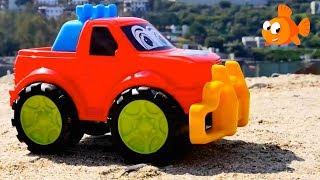 SUPER SAND JEEPS! - Sandpit Toys & Toy Cars videos for kids - Trucks for kids