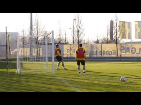 Pierre-Emerick Aubameyang vs. Mats Hummels the goalie | BVB
