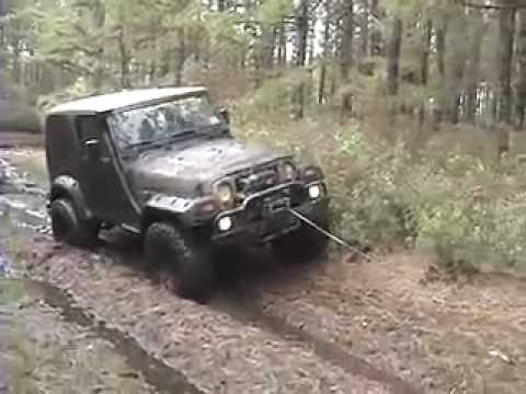 Jeep Wrangler and Suzuki Samurai Muddin Video