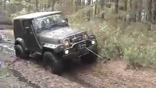Jeep Wrangler and Suzuki Samurai Muddin