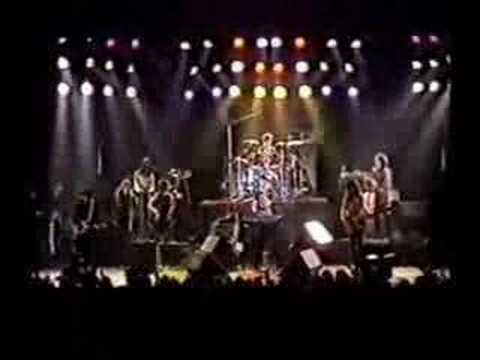 Charly Garcia - No Voy En Tren