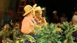HEE HAW BEHIND SCENES WITH JANET DAVIES  (1979)