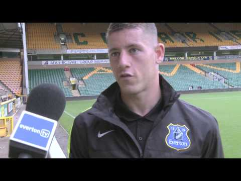 FUNNY! Leon Osman interrupts Ross Barkley interview