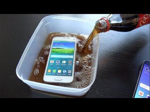 Samsung Galaxy S5 Mini Coca-Cola Freeze Test - Will It Survive? (4K)