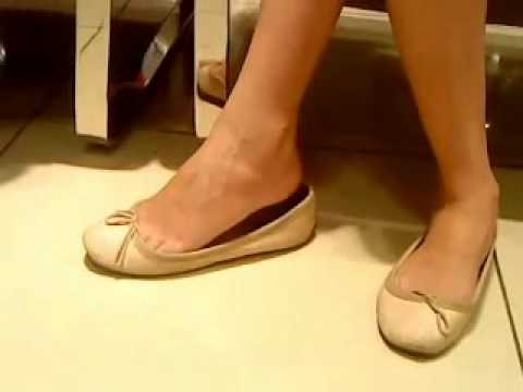 Ballet Flat Shoeplay.flv