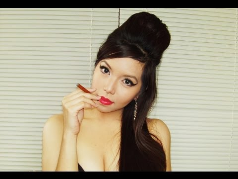 Amy Winehouse Makeup Look