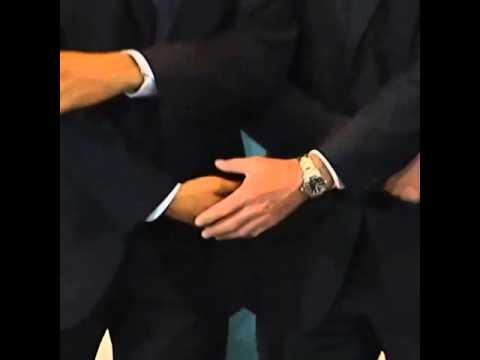 US President Barack Obama jokes about handshake protocol with Australian PM Tony Abbott and Japan's