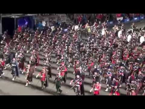 Royal Edinburgh Tattoo 2014 - Scotland The Brave Bagpipe And Drum Procession - End Performance video