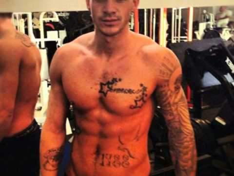 CELEBRITY BUSTED Kirk Norcross naked thumbnail