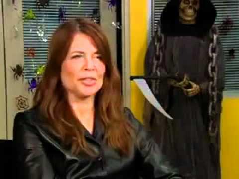 Linda Hamilton Chuck 4x06 Interview