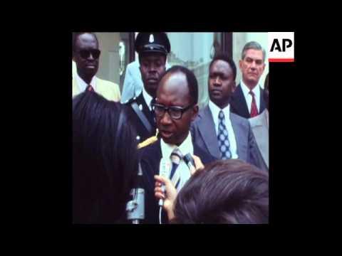 UPITN 8 7 76 GAMBIAN PRESIDENT JAWARA MEETS GISCARD D'ESTAING IN PARIS