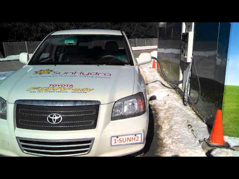 Toyota FCHV-adv filling up in freezing cold temperature